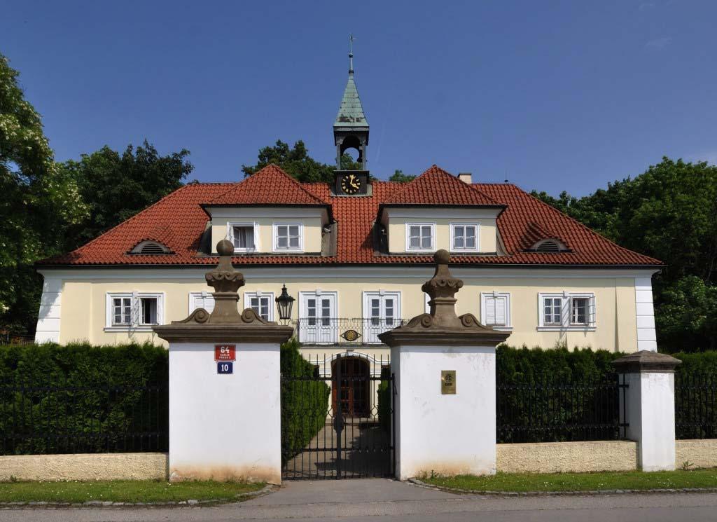 Rekonstrukce zámku Karlín